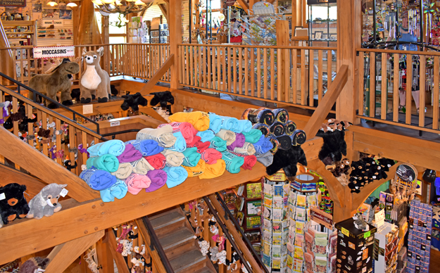 Upper Peninsula Gift Shop | Camp 33 Gifts | UP Souveniours | Upper Peninsula Clothing | Merrel | Minnetonka Moccasins | Where is the best gift shop in the UP?